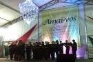 CANTATAS DE NATAL EMOCIONAM PÚBLICO NA PRAÇA XV